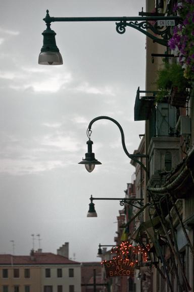 Lampposts lighter 1310728 FB