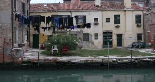 Venice back yard 1350156 FB