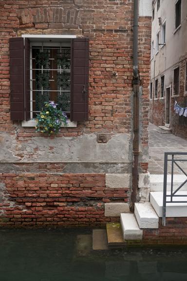 Window detail 1320020 FB