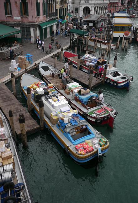 Food barges 1330682 BLOG
