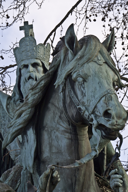 Charlemagne 1010717 DES