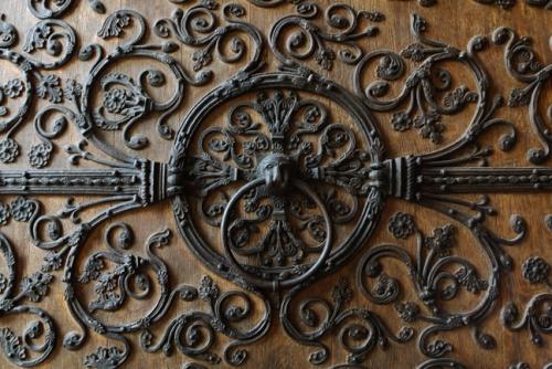 Notre Dame door DES