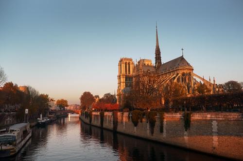 Notre Dame sunrise 1200099 EARLY BLOG