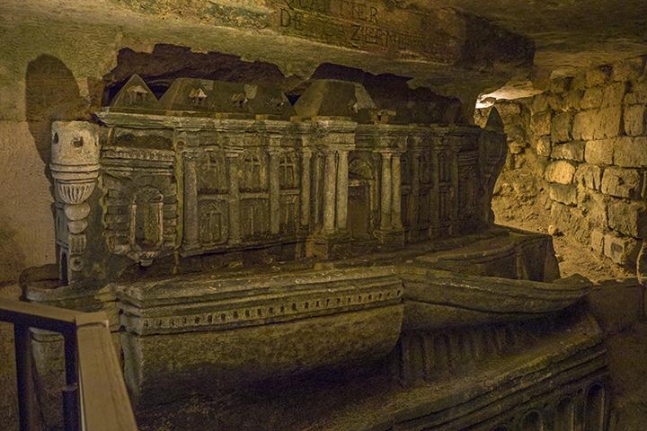 Catacombs Decure 1 1080020 BLOG