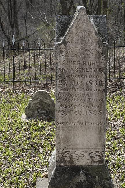 Frontenac tombstone 1100927 BLOG