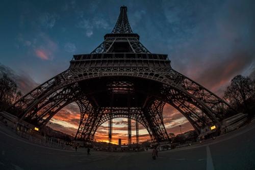 Eiffel solstice 1060893 BLOG