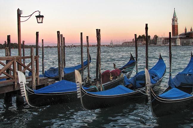 Venice gondolas 2007 solstice BLOG