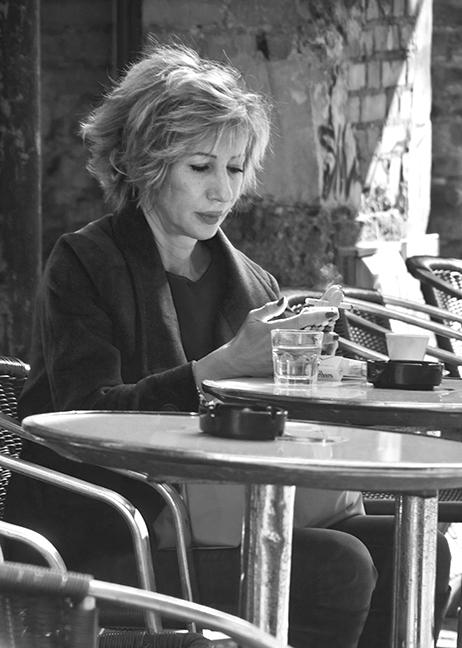 Femme au cafe 1300498 BLOG