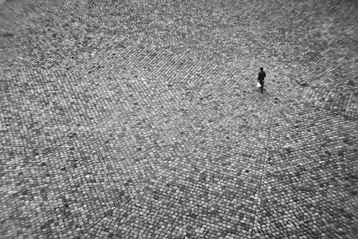 Louvre cour 1070758 BW 2 BLOG