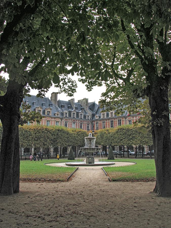 Paris Place des Vosges 2007 7 BLOG