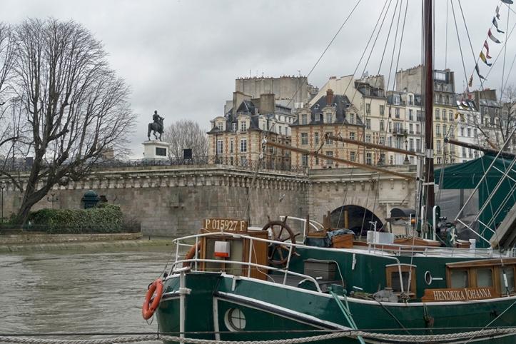 Pirates in Paris 1030930 BLOG