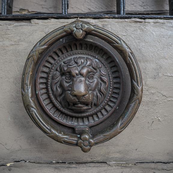 Doorknocker 1180204 BLOG