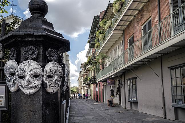 Masks and street 1180107 BLOG
