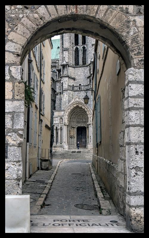 Chartres doorway 1400102 BLOG