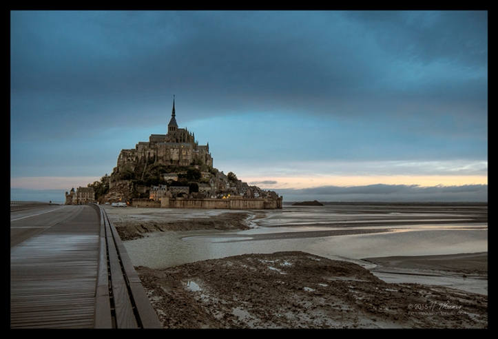Mont St Michel blue 1490569 CL CX BLOG