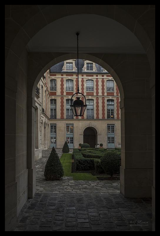 Vosges courtyard 1070902 BLOG