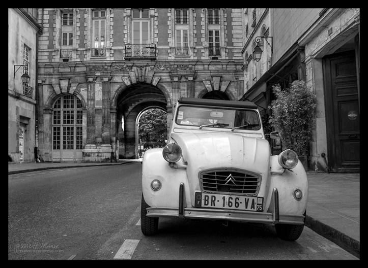 Vosges Paris 1750832 BW BLOG