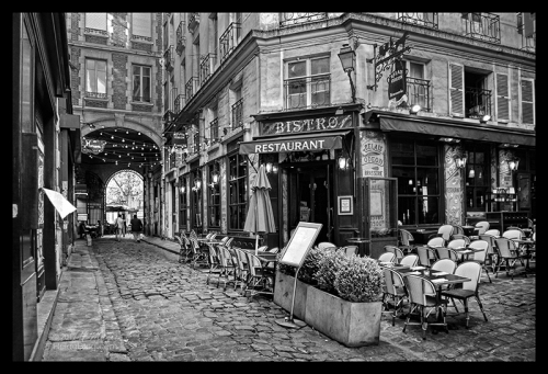Cour St Andre 1040621 BW BLOG