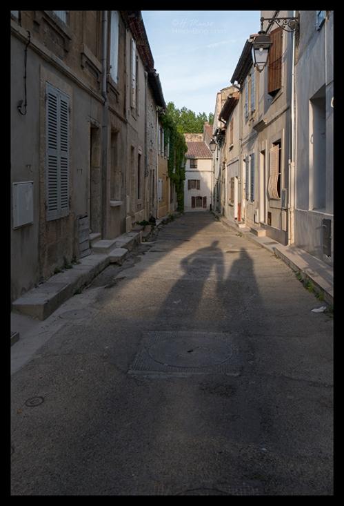 Esteban and Heide shadows Arles 1700634 BLOG