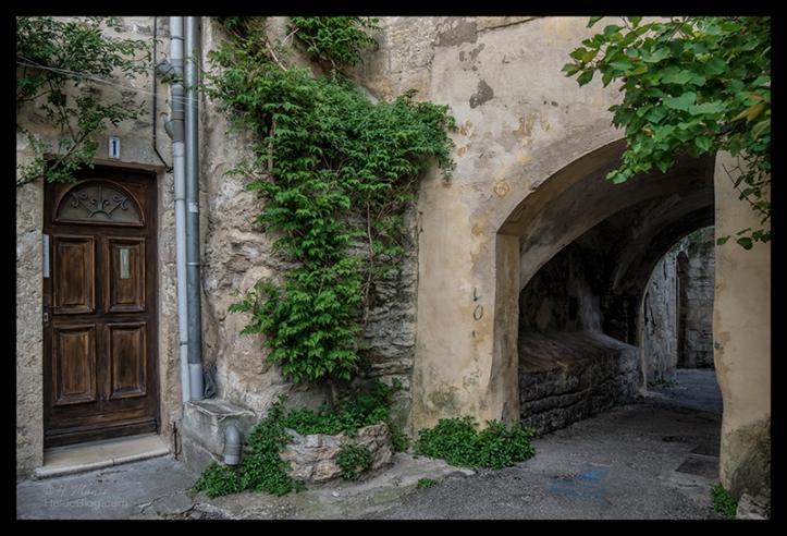 Ancient doorway 1700023 BLOG