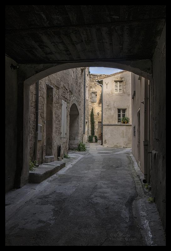 Old alley 1710010 BLOG
