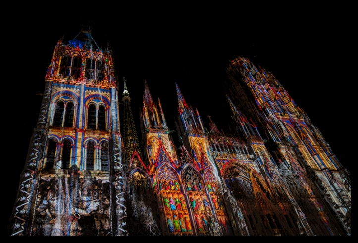Rouen cathedral light show 1510314 BLOG