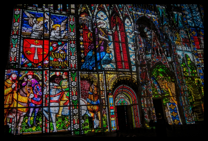 Rouen cathedral light show 1510346 BLOG