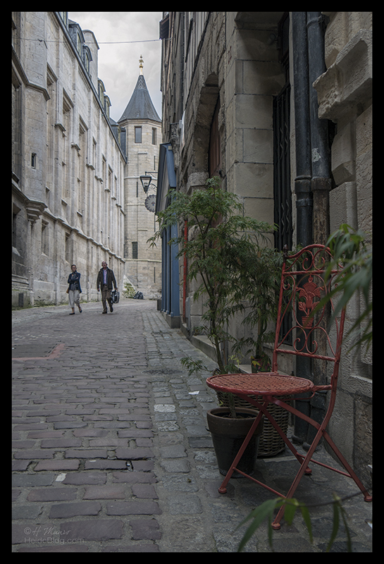 Rouen cloister 1500851 BLOG