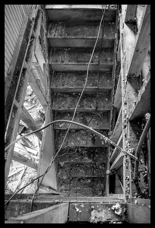 Stairs to main floor 1050011 BLOG
