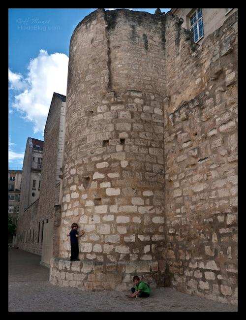 Mur Charlemagne Corey walk 1250866 BLOG