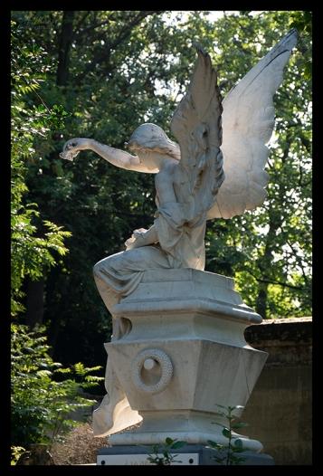 Statue angel Père Lachaise 1370350 BLOG