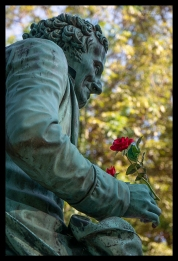 Statue with rose 1370370 BLOG
