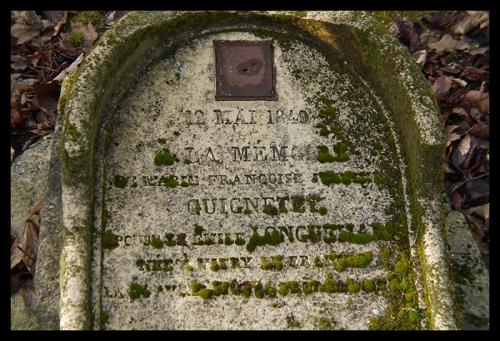 Tombstone Père Lachaise 1040700 BLOG
