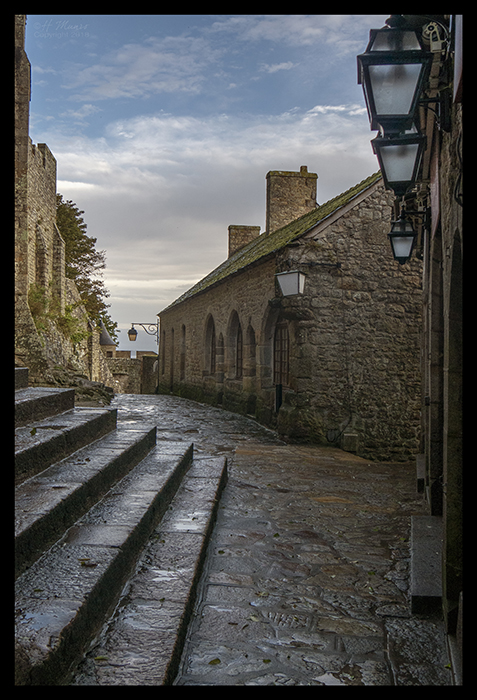Mont St Michel street 1500173 CR BLOG